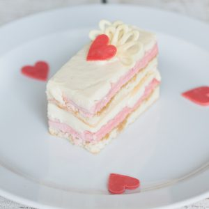 Торт «Клубничный пломбир»