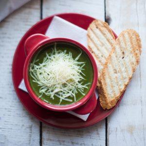 Крем-суп из шпината с пармезаном