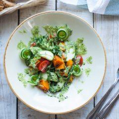 Салат с запеченной тыквой и кабачками