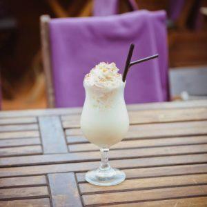 Молочный коктейль на альтернативном молоке