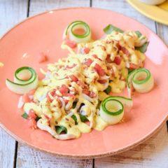 Салат с кальмаром и курицей
