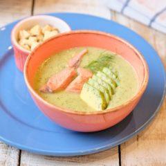 Крем-суп из кабачков с авокадо и лососем