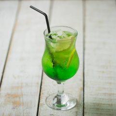 Лимонад зеленое яблоко